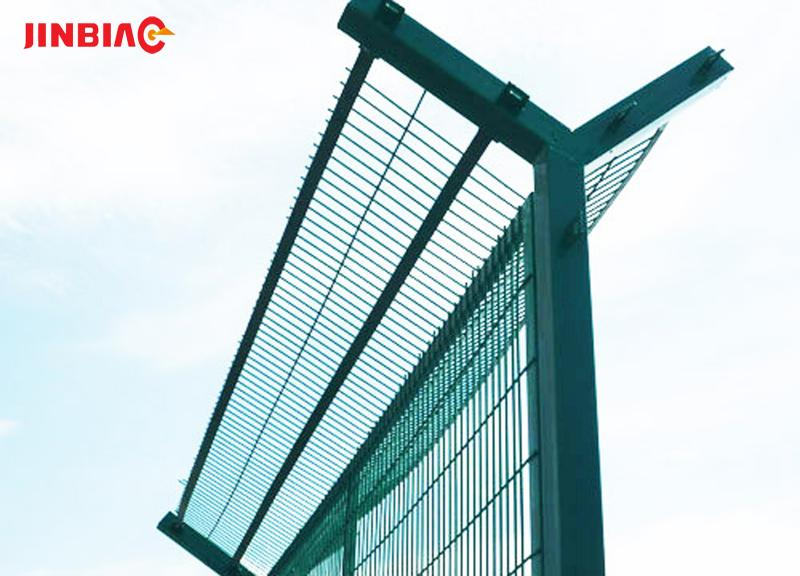 PVC GI Bilateral guardrail highway fence coated welded wire mesh