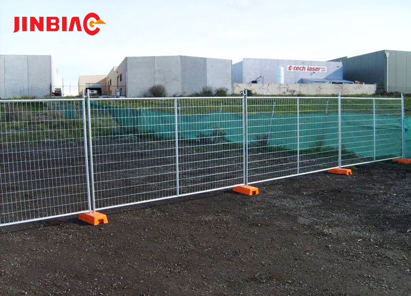Hot sale construction barrier retractable Galvanized steel pipe fence temporary fence