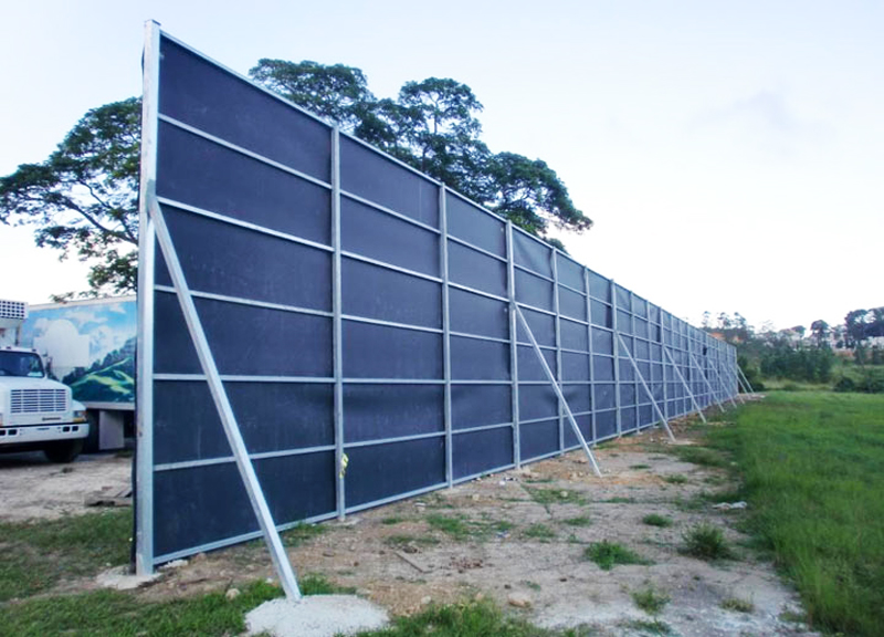 Construction site noise reduction temporary sound barrier
