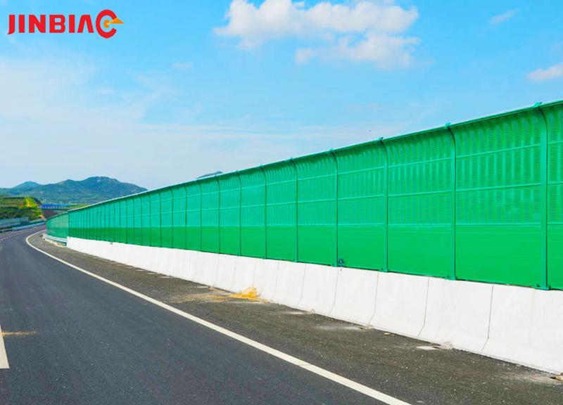 Highway / Trestle Noise Barrier
