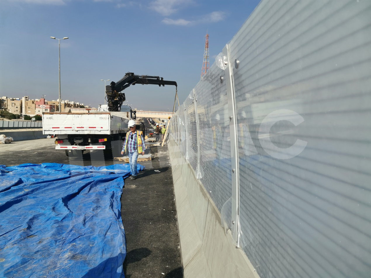 JINBIAO noise and vision barriers install in Kuwait RA/264 project